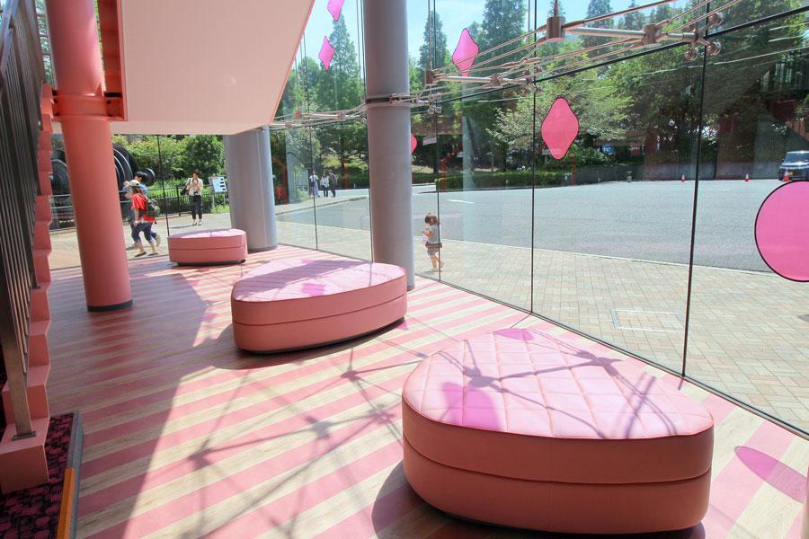 東京ストロベリーパーク ベンチ