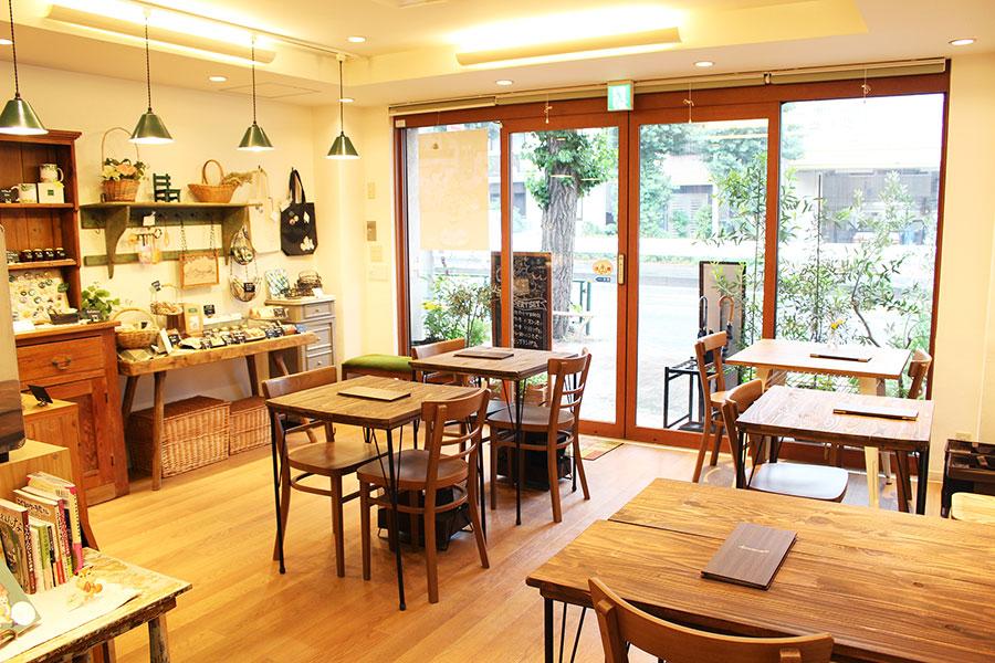 henteco 森の洋菓子店店内