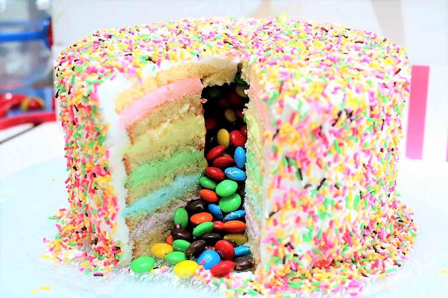 サマーデザートブッフェ おやすみ世界 いちごみるくバニーケーキ