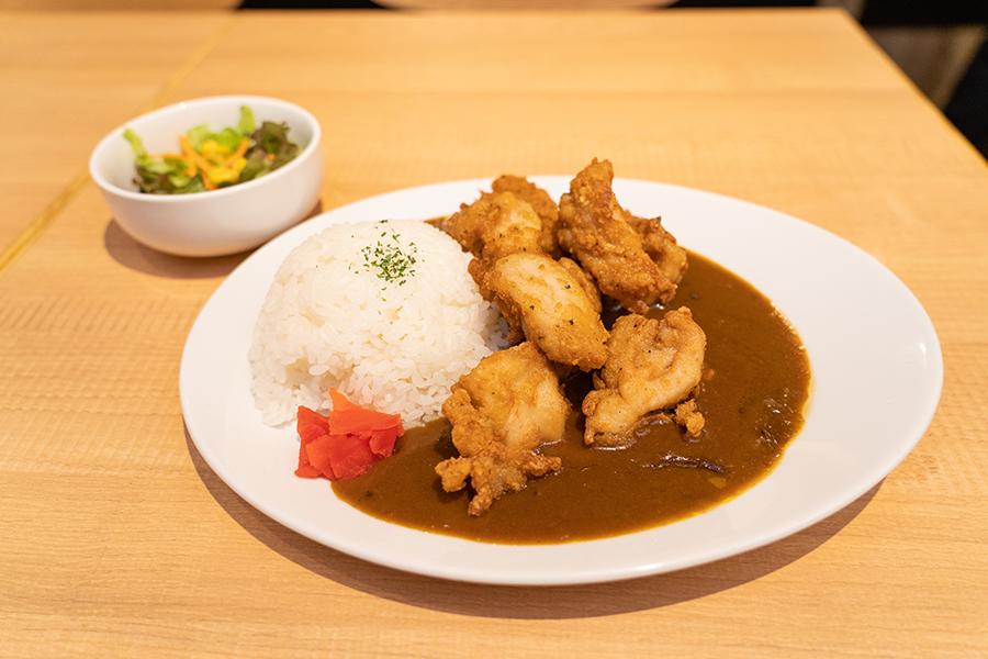 「鶏×バル HINAMARU(ヒナマル)」 から揚げカレー