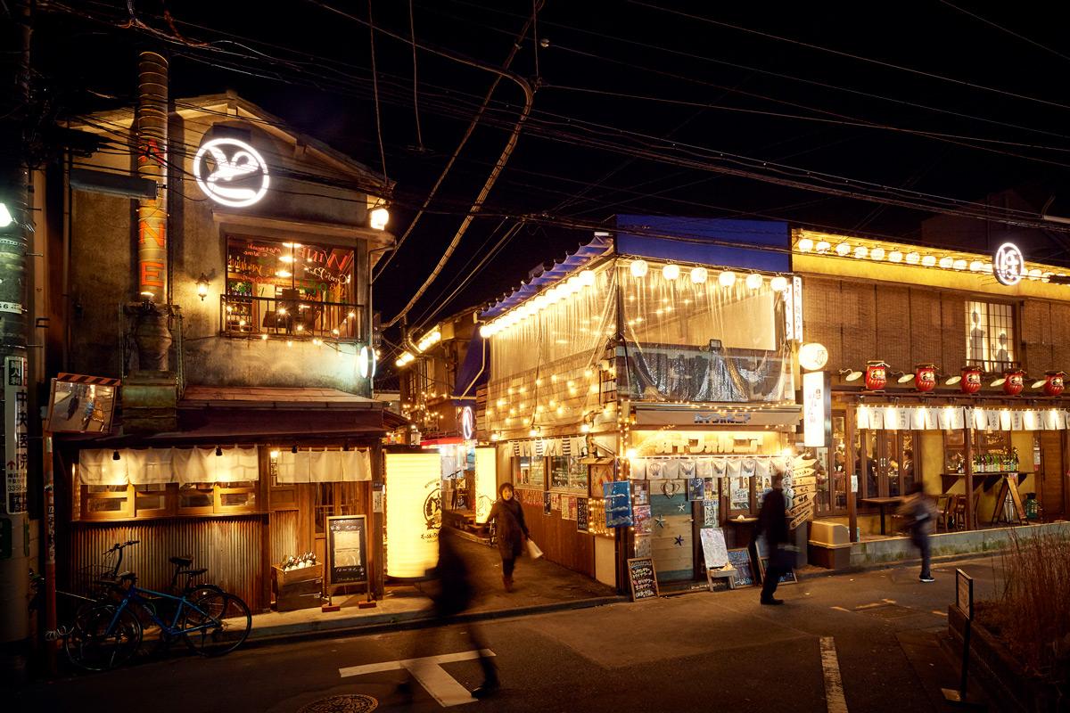 ほぼ新宿のれん街外観