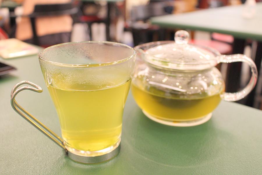 「レストラン東北牧場」 クマザサのお茶