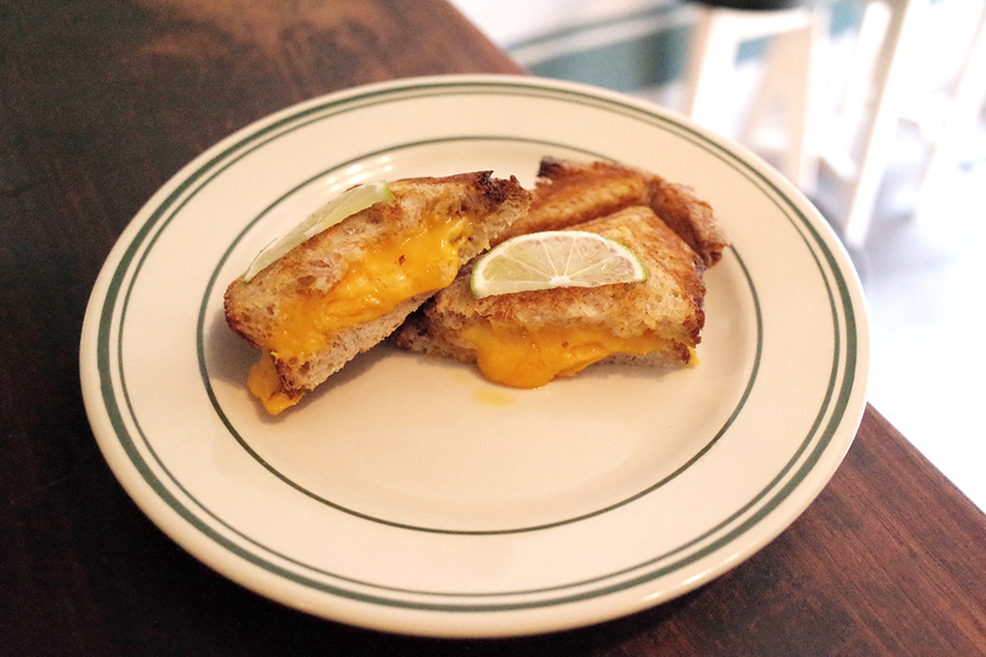 PELLS coffee &barグリルドチーズサンドイッチ