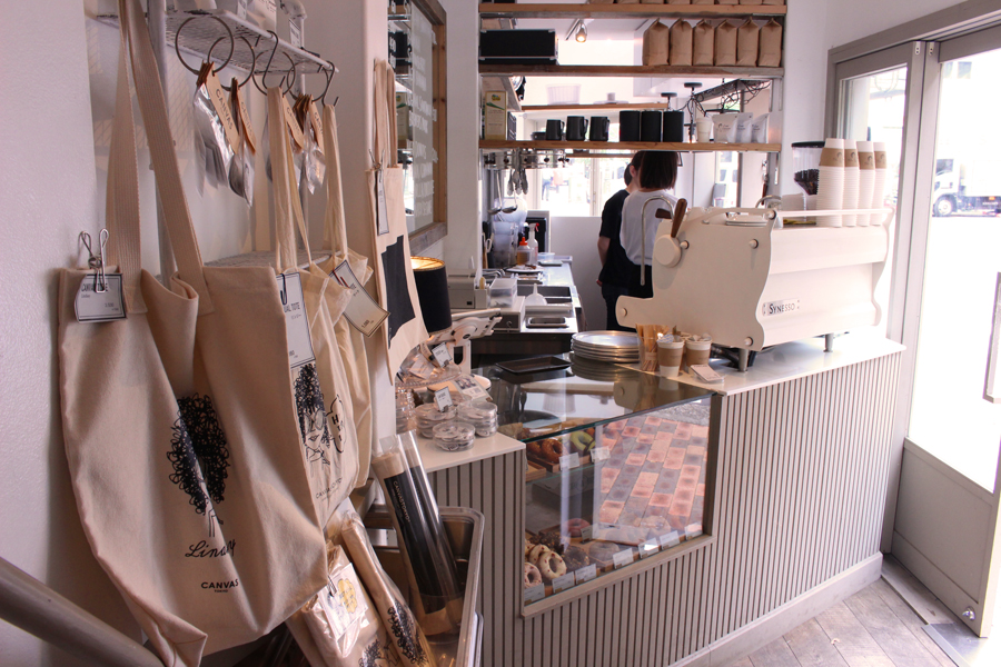 CANVAS TOKYO店内