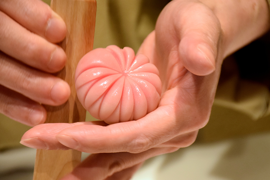 「お抹茶と季節の生菓子」(1,404円)1