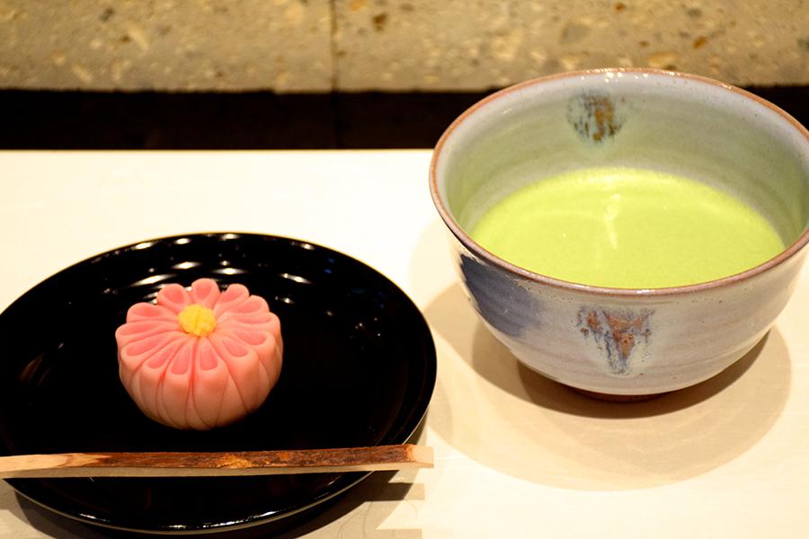 「お抹茶と季節の生菓子」(1,404円)3