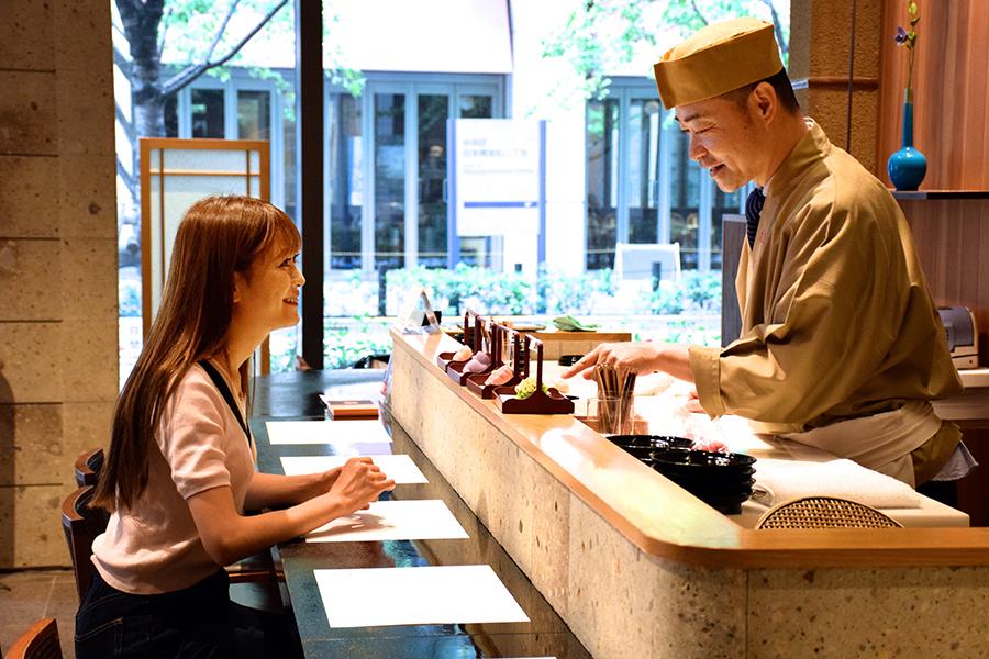 鶴屋吉信 TOKYO MISE「菓遊茶屋(かゆうぢゃや)」