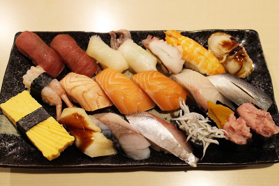 横浜 たつ海ランチお寿司食べ放題