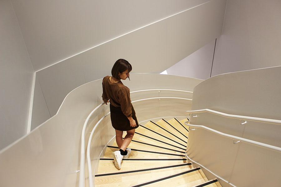 すみだ北斎美術館 らせん階段