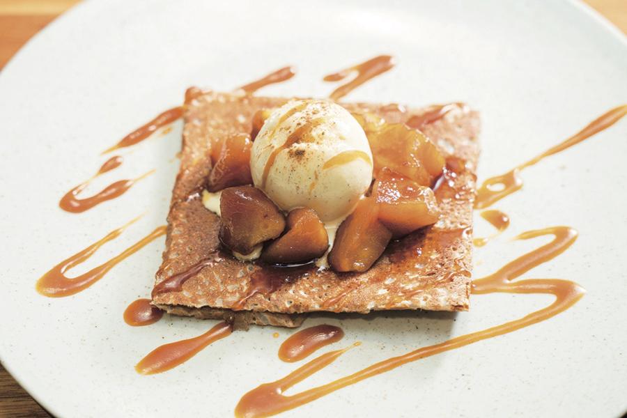 ル ブルターニュ バー ア シードル レストラン 「りんごのガレットタタン」1,380 円