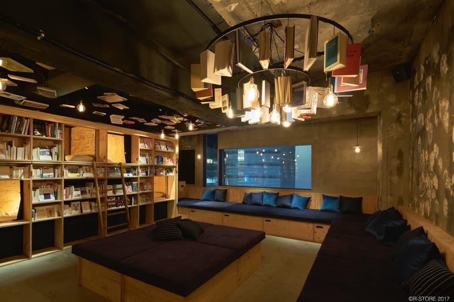 BOOK AND BED TOKYO IKEBUKURO ソファー