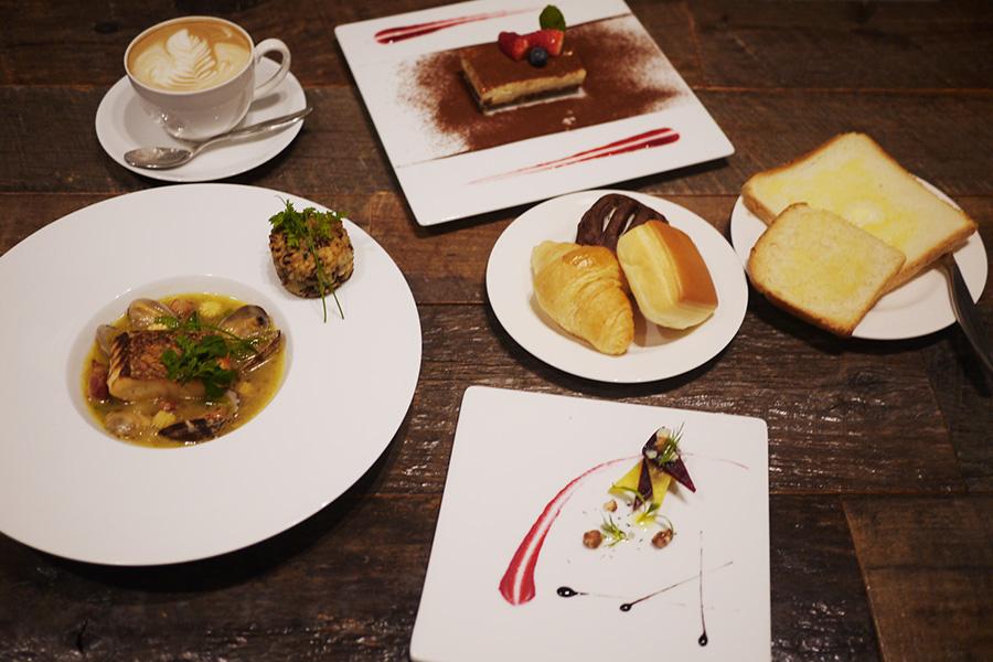 @Lobby cafe 「真鯛のポワレ 黒ニンニクのスープ仕立て(アミューズ、カフェ付き)」(1,500円)
