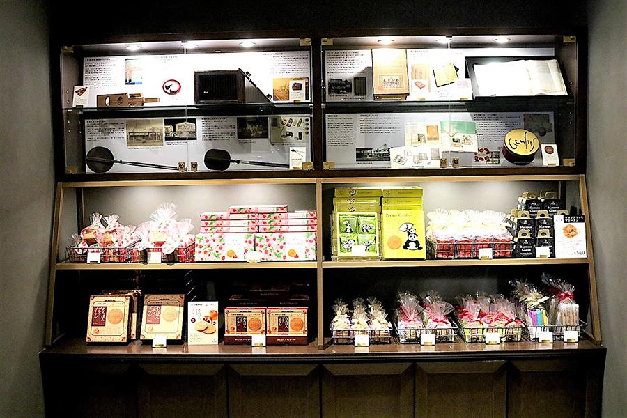 上野風月堂 本店 商品棚