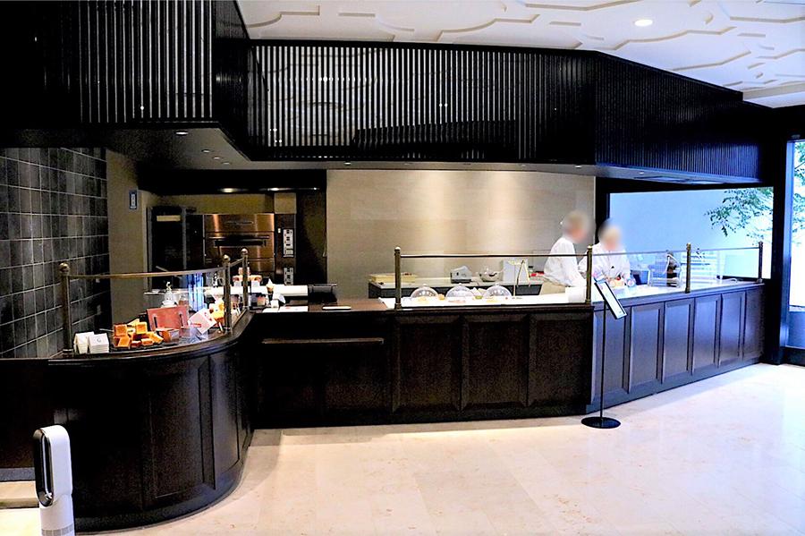 上野風月堂 本店 オープンキッチン