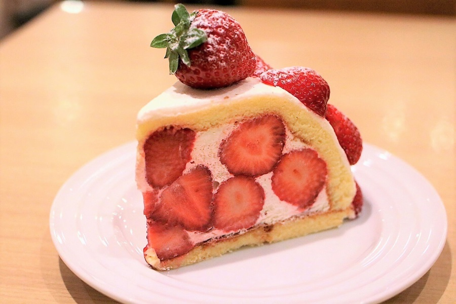 果実園リーベル 新宿店 「あまおうズコット」(1,800円/税別)