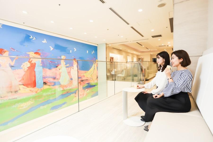 ファンケル 銀座スクエア「壁画ギャラリー&ロイヤルラウンジ」