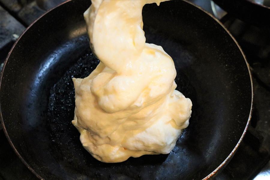 福カフェ パンケーキ調理_1