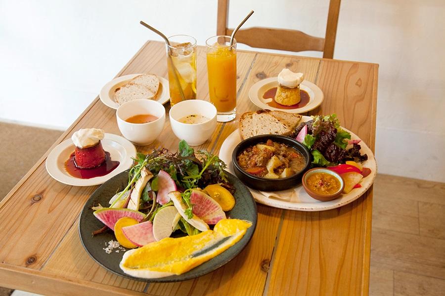 サスティナブル野菜のディップランチ(1,000円)