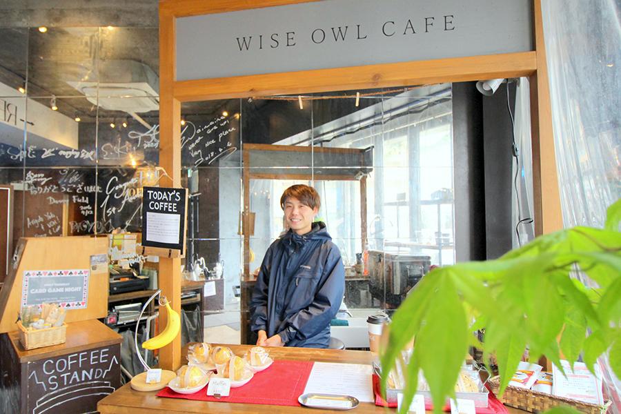 WISE OWL CAFÉ 店内
