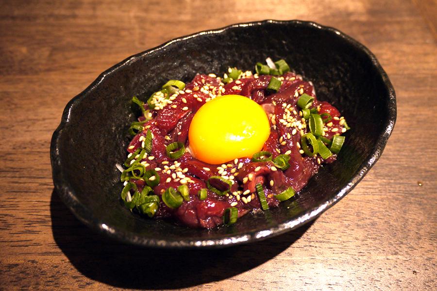上野 肉寿司 「ユッケ」