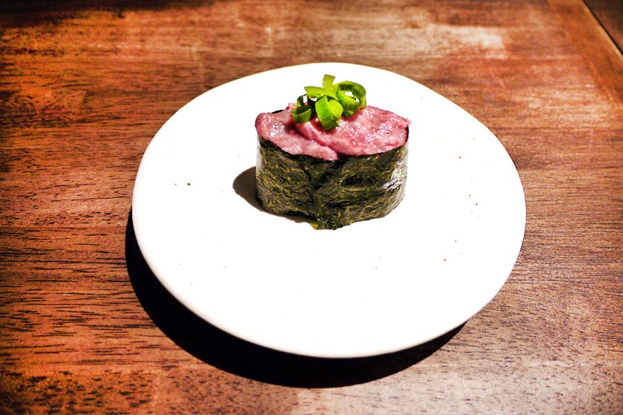 上野 肉寿司 ネギトロ