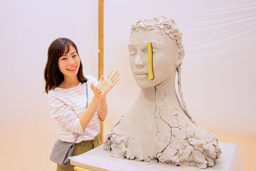 東京都現代美術館 マーク・マンダース《黄色のコンポジション》2017 - 2018年