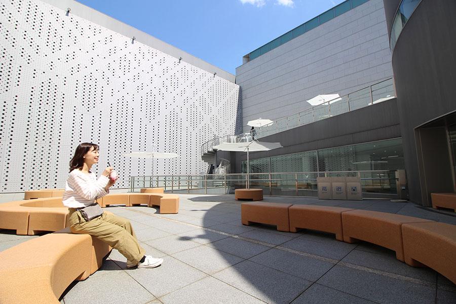 東京都現代美術館 中庭