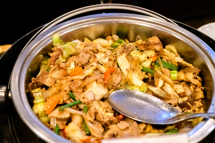 ASIAN TAWAN 神楽坂 豚肉と野菜炒め