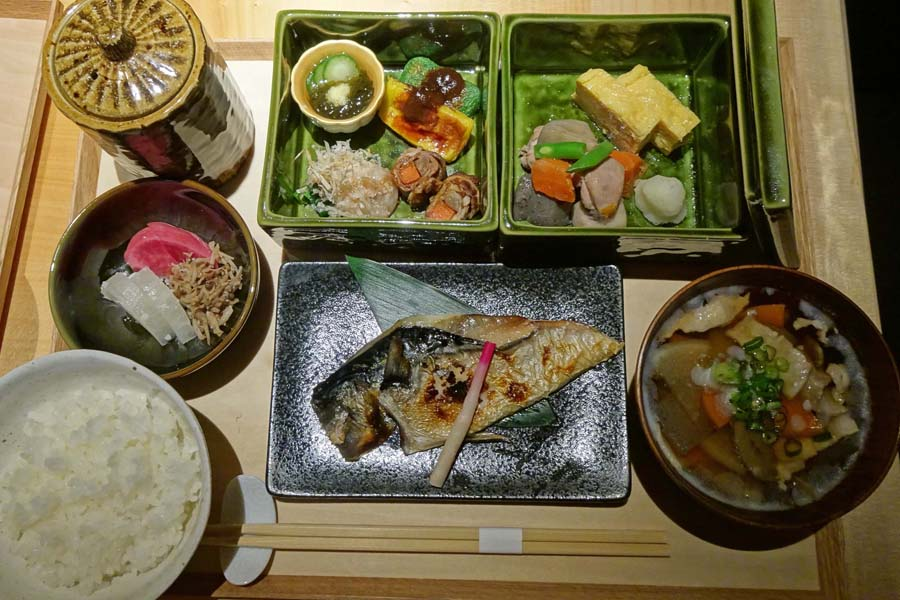 由縁 新宿 朝食