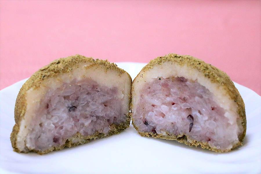 タケノとおはぎ「麻の実ときな粉」カット