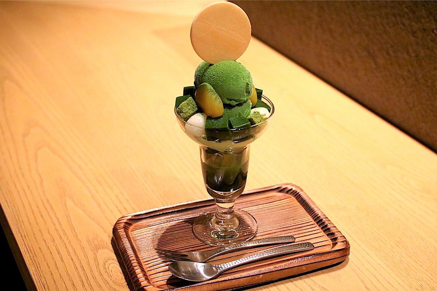 林屋新兵衛「濃茶パフェ」(1,620円)