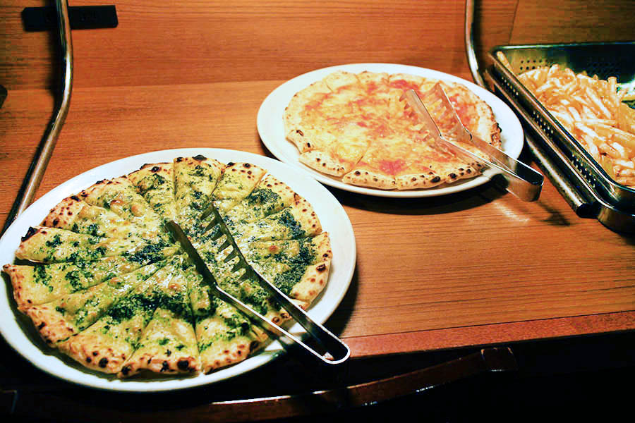 カプリチョーザ 新宿ワシントンホテル店 ピザ