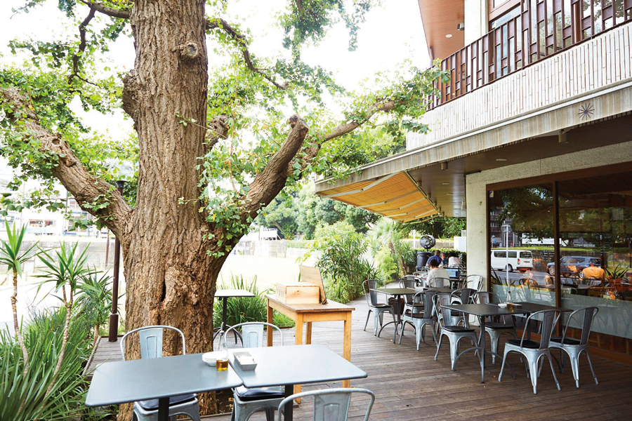 Royal Garden Cafe 青山店 外観