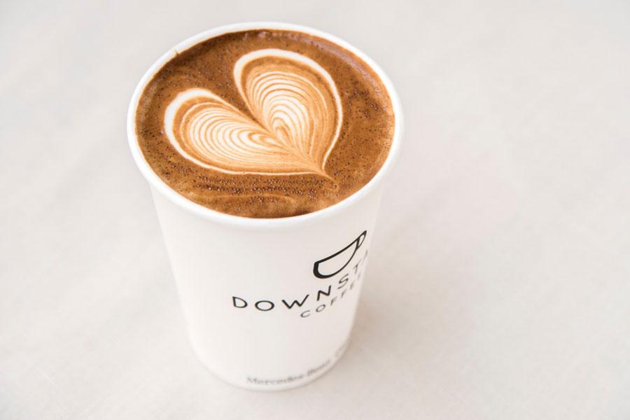 DOWNSTAIRS COFFEE(ダウンステアーズ コーヒー)