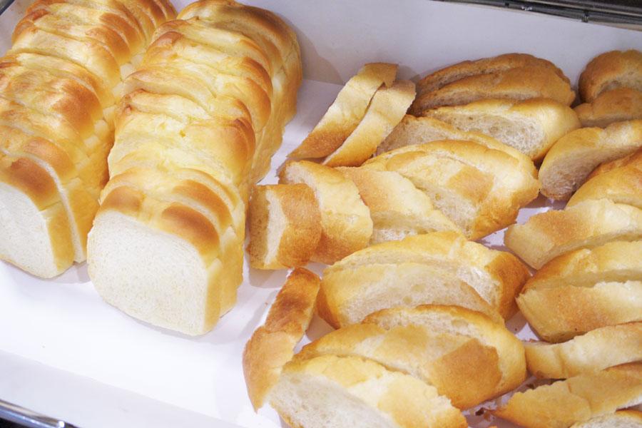 RESTAURANT SAISON 「ミフネ菓子店」の手作りパン