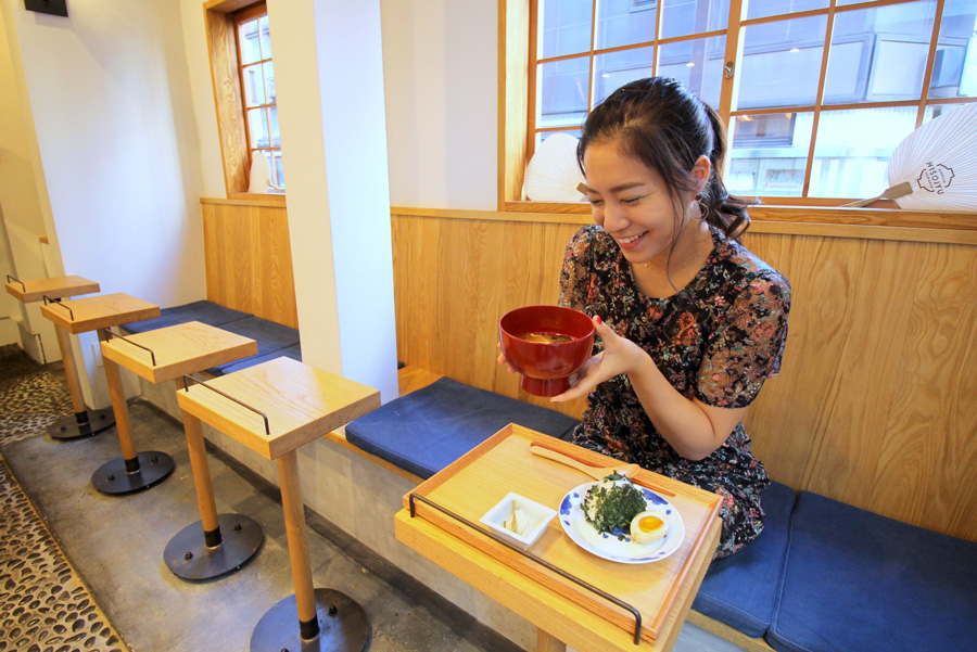 MISOJYU一人用のテーブル