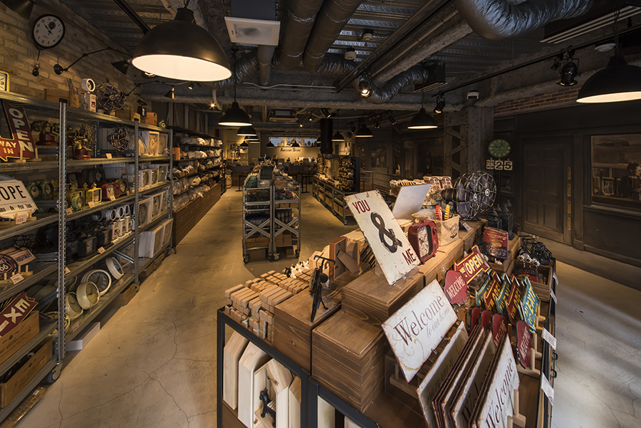 AWESOME STORE 店内