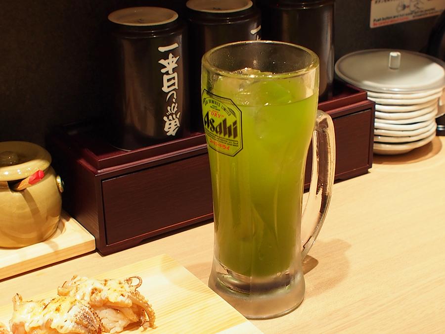 とれたて立喰い寿司 魚がし日本一 渋谷道玄坂店 「寿司屋の緑茶ハイ」(410円)