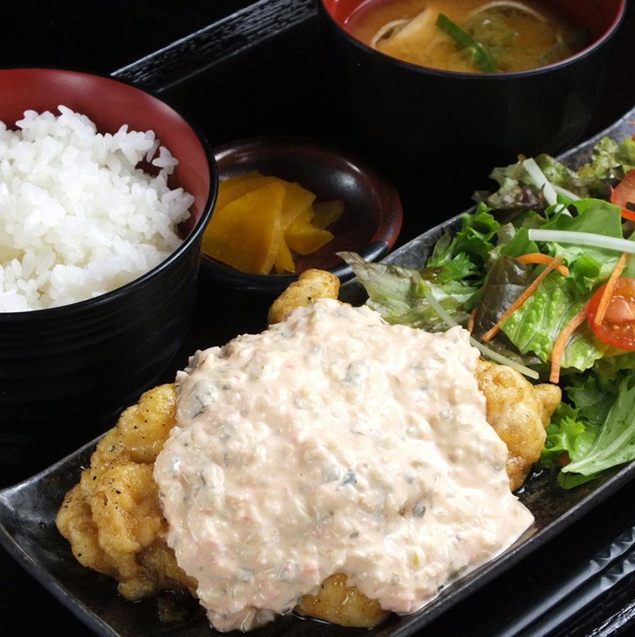 酉一途 西新宿店「唐揚げと南蛮の合盛定食」(594円)
