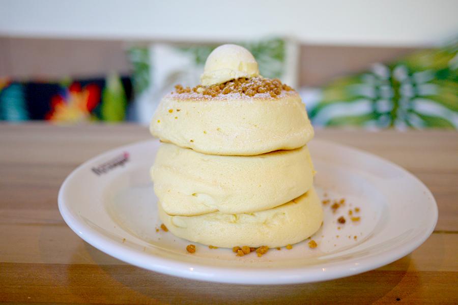 ハワイアンカフェ&レストラン メレンゲ みなとみらい店「ホイップバターパンケーキ」
