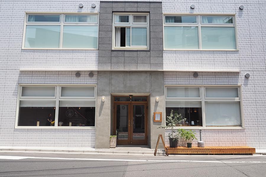 almond hostel & cafe 外観