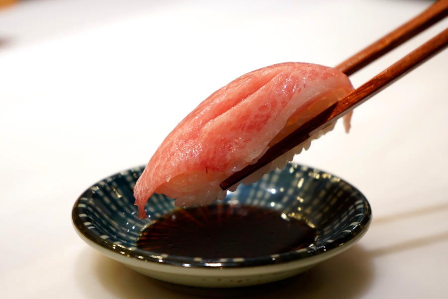 板前寿司 上野店本まぐろ大トロ
