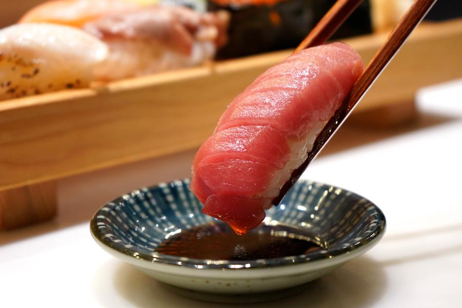 板前寿司 上野店中トロ