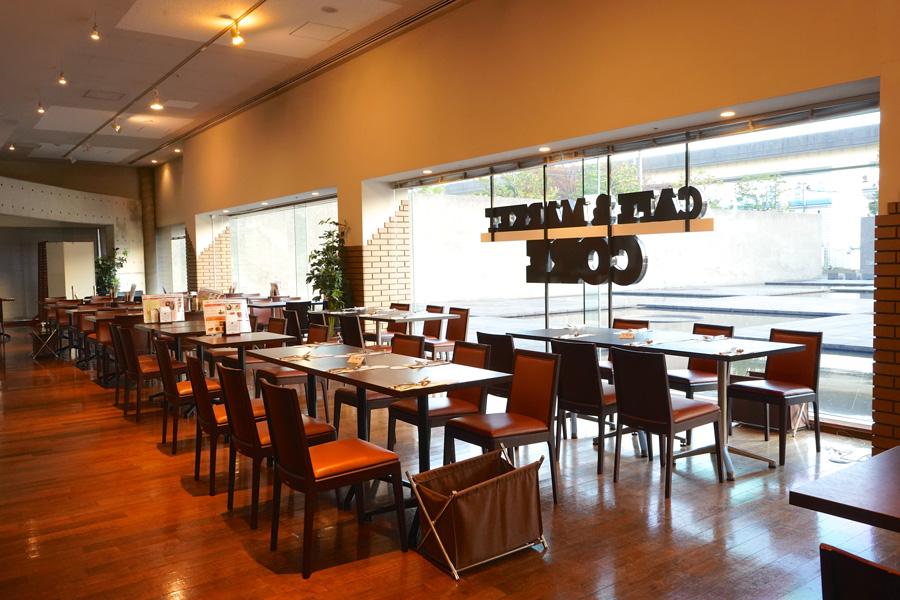 カフェ&マーケットCORE店内