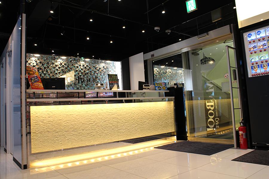 マンボー新宿南口店