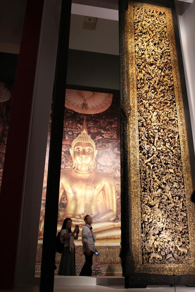 ラーマ2世王作の大扉