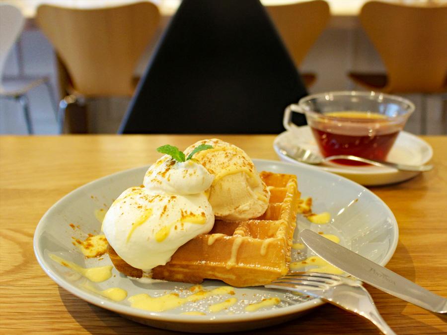 Cafe Sucre AOYAMAワッフル
