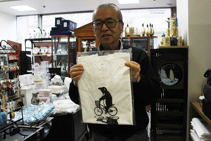 ペンギン&ゴルフギャラリー 店主の三谷毅さん