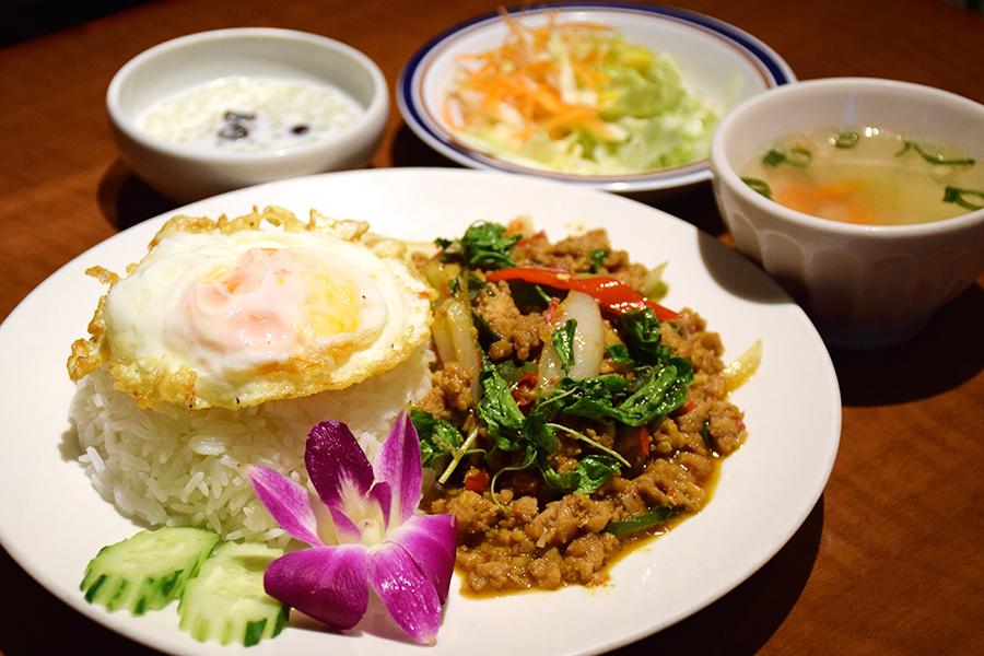ソムオー鶏肉のバジル炒めセット