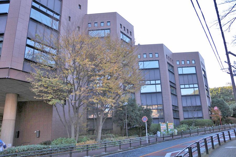 横浜市立図書館 中央図書館 外観
